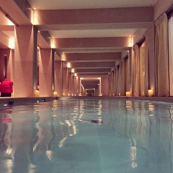 La r serve hotel paris um templo de eleg ncia e bom gosto for Salon piscine paris